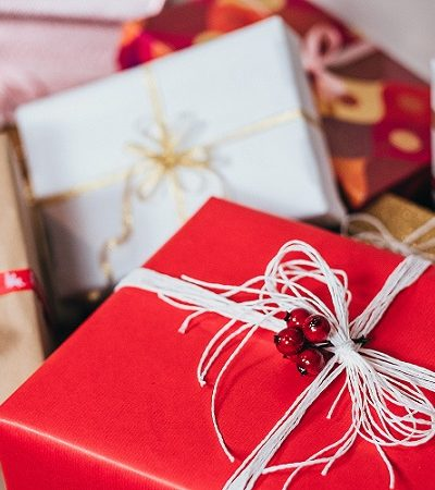 Save Money on Holiday Gift Shopping